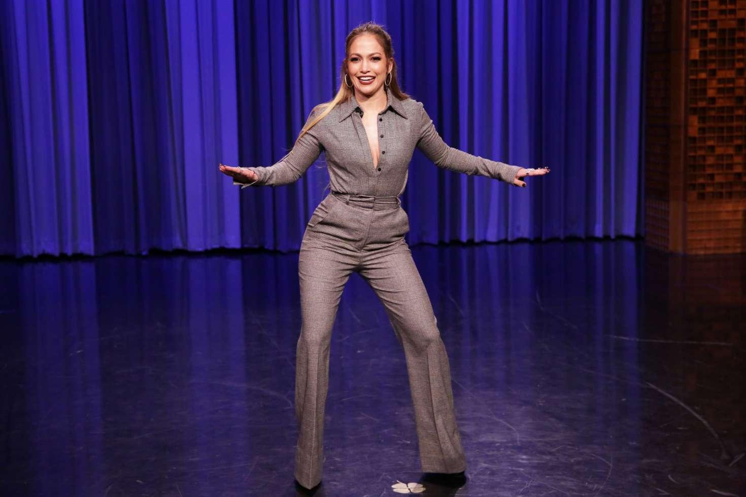 Jennifer Lopez 2017 : Jennifer Lopez on The Tonight Show Starring Jimmy Fallon -09