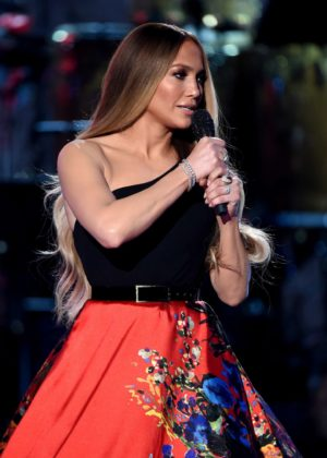 Jennifer Lopez - 'One Voice: Somos Live! A Concert For Disaster Relief' in LA