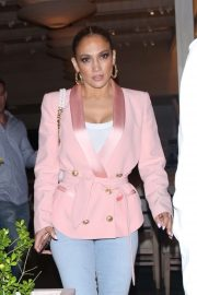 Jennifer Lopez - Out for dinner at Avra in Beverly Hills
