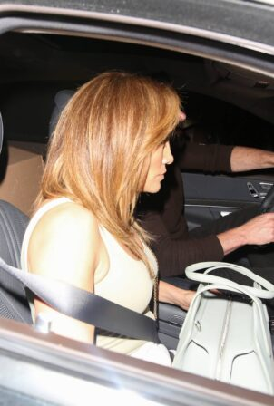 Jennifer Lopez - Out for dinner at Craig's in West Hollywood