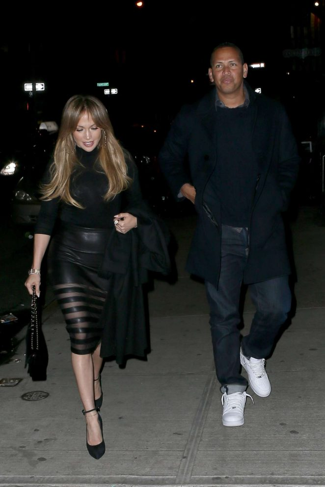Jennifer Lopez out for Dinner at Il Mulino -01