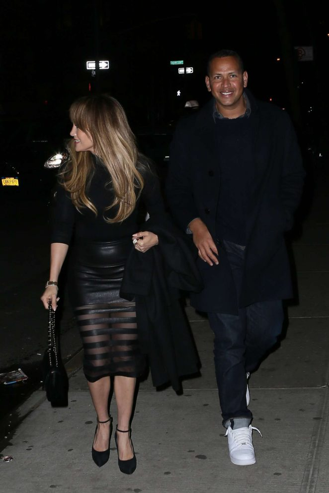 Jennifer Lopez out for Dinner at Il Mulino -05