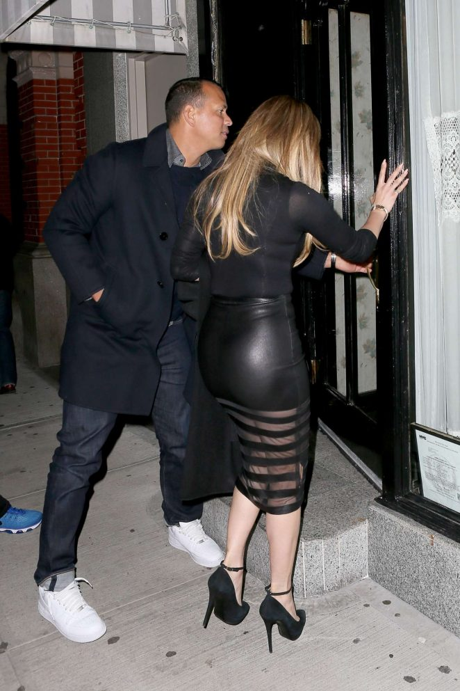 Jennifer Lopez out for Dinner at Il Mulino -12