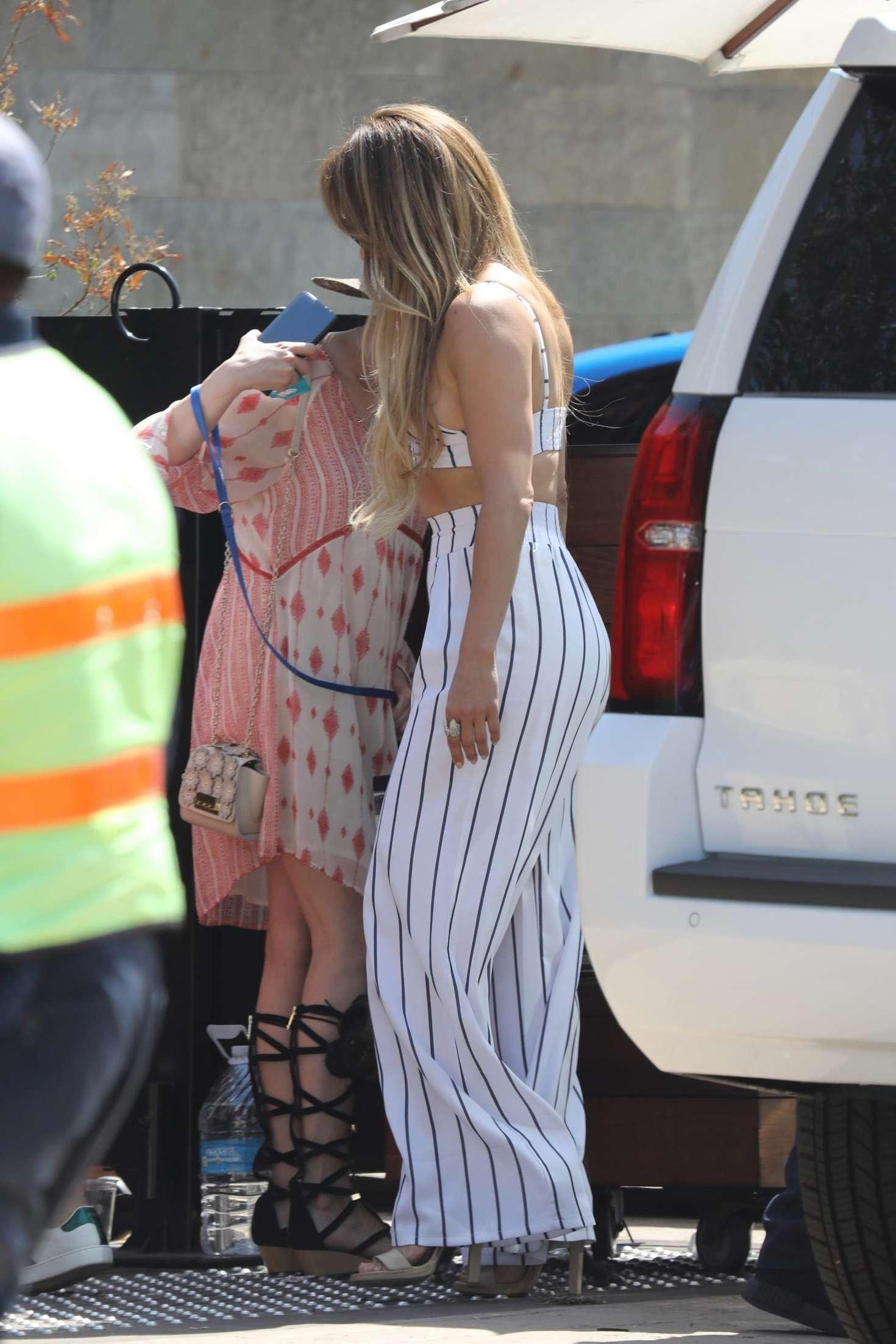 Jennifer Lopez 2018 : Jennifer Lopez out for lunch at Nobu -04