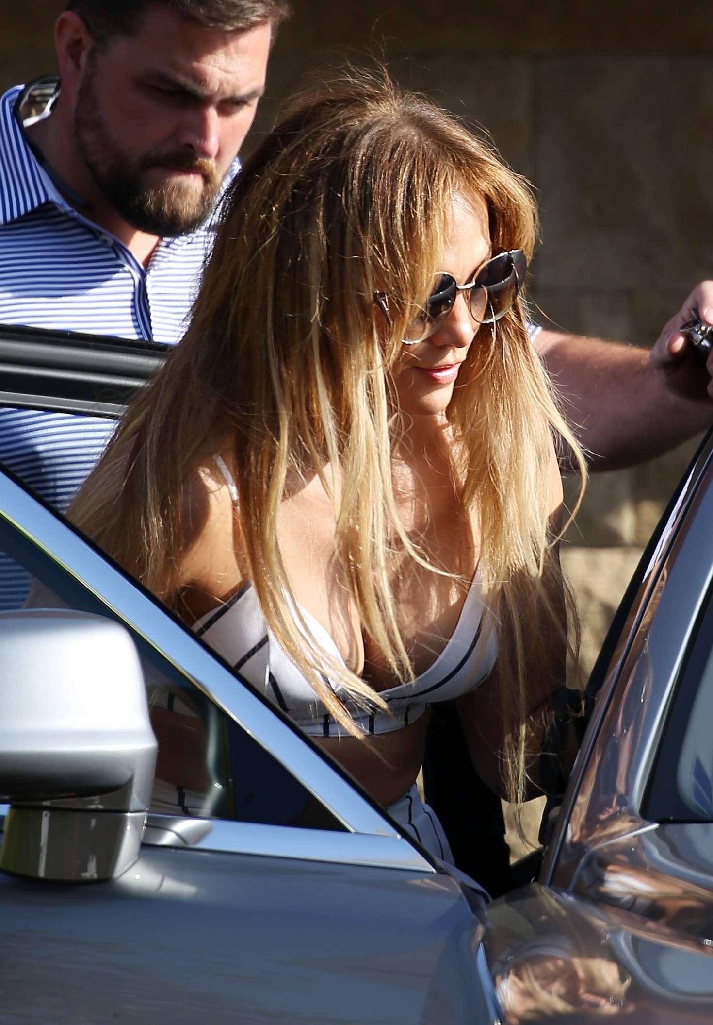 Jennifer Lopez 2018 : Jennifer Lopez out for lunch at Nobu -05