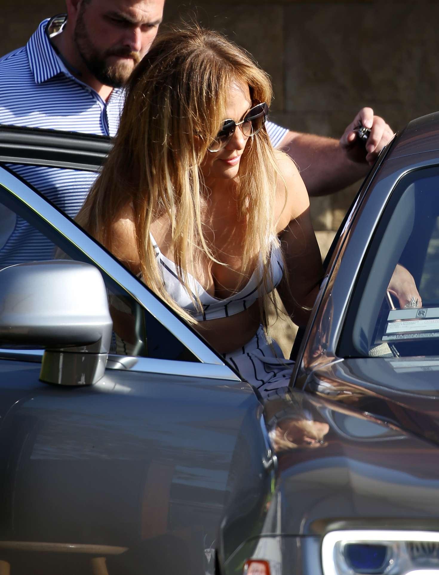 Jennifer Lopez 2018 : Jennifer Lopez out for lunch at Nobu -07