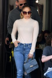 Jennifer Lopez - Out for lunch in Miami