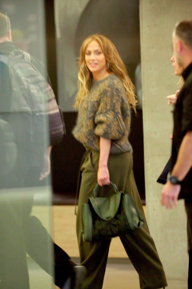 Jennifer Lopez - Out in Los Angeles