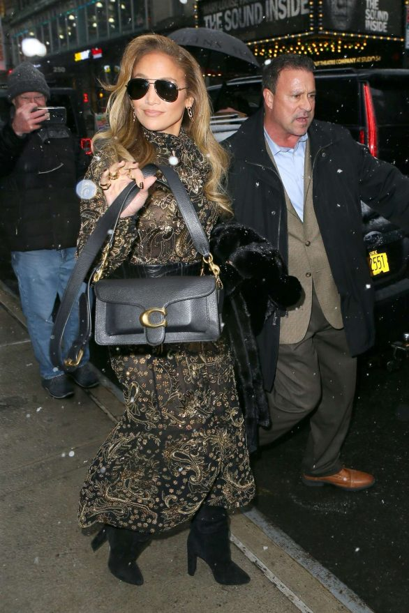 Jennifer Lopez - Out in Manhattan