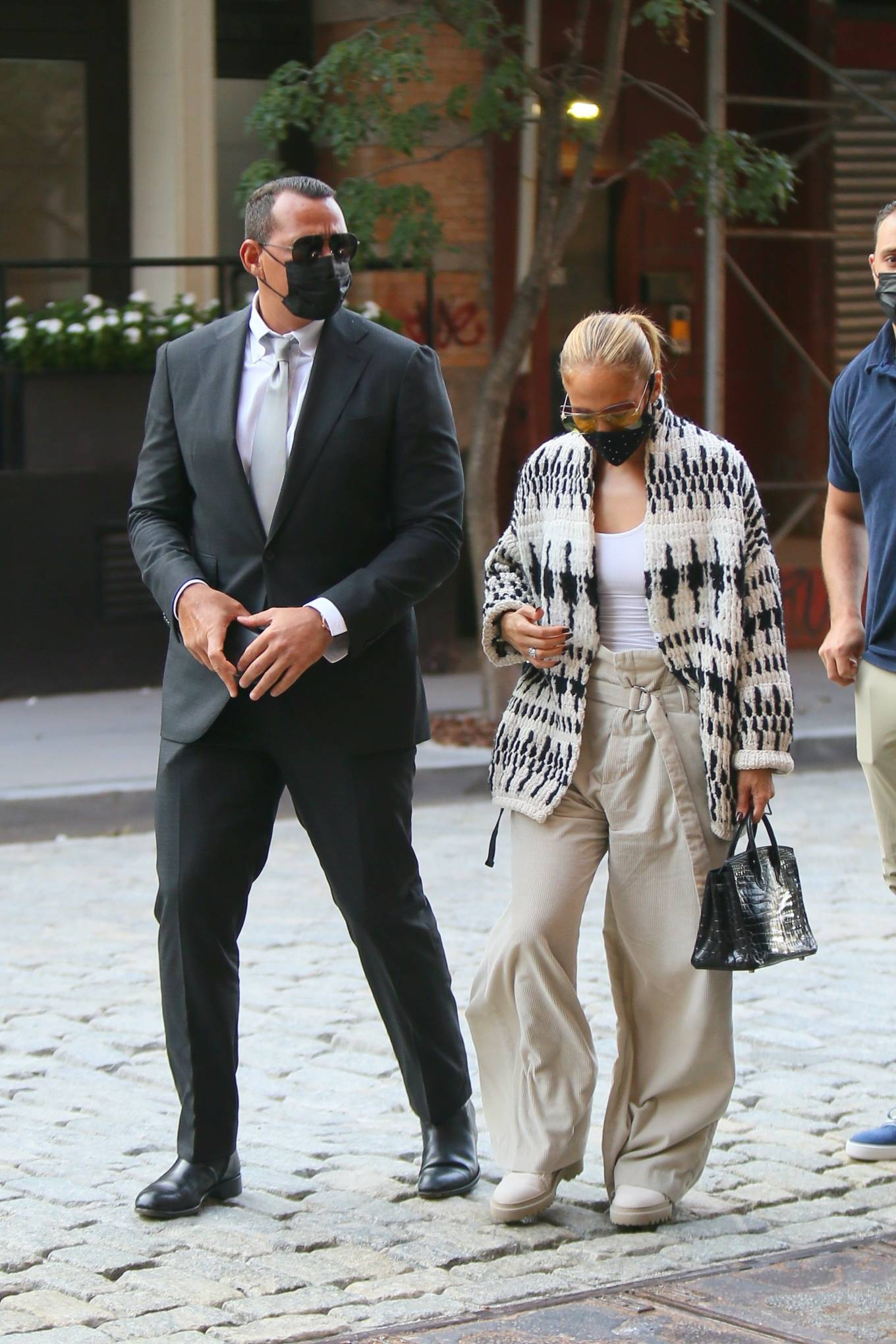 Jennifer Lopez 2020 : Jennifer Lopez – Out in Tribeca-04