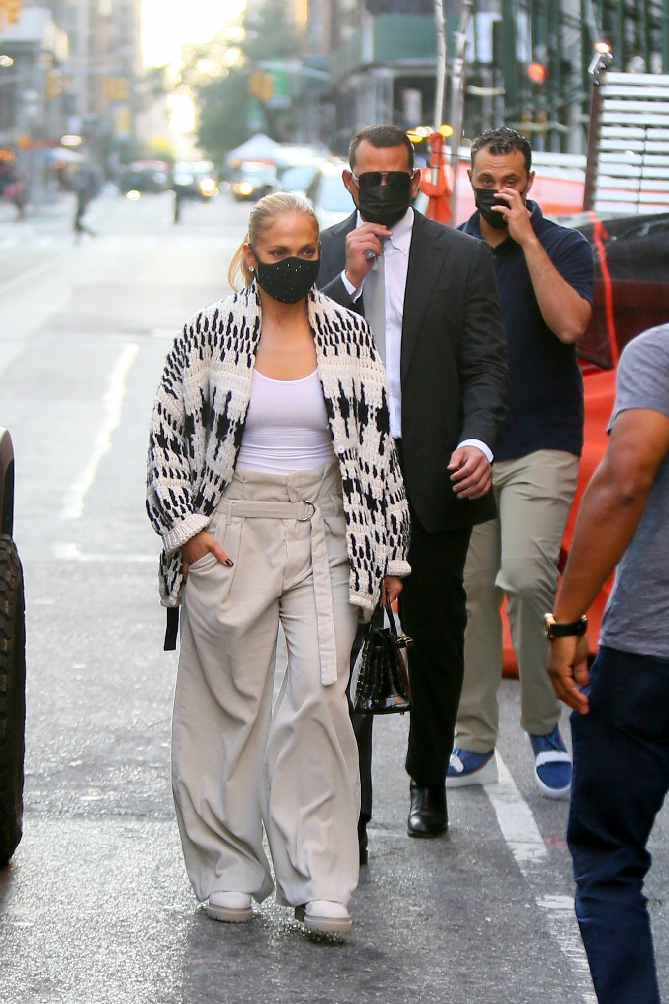Jennifer Lopez 2020 : Jennifer Lopez – Out in Tribeca-05