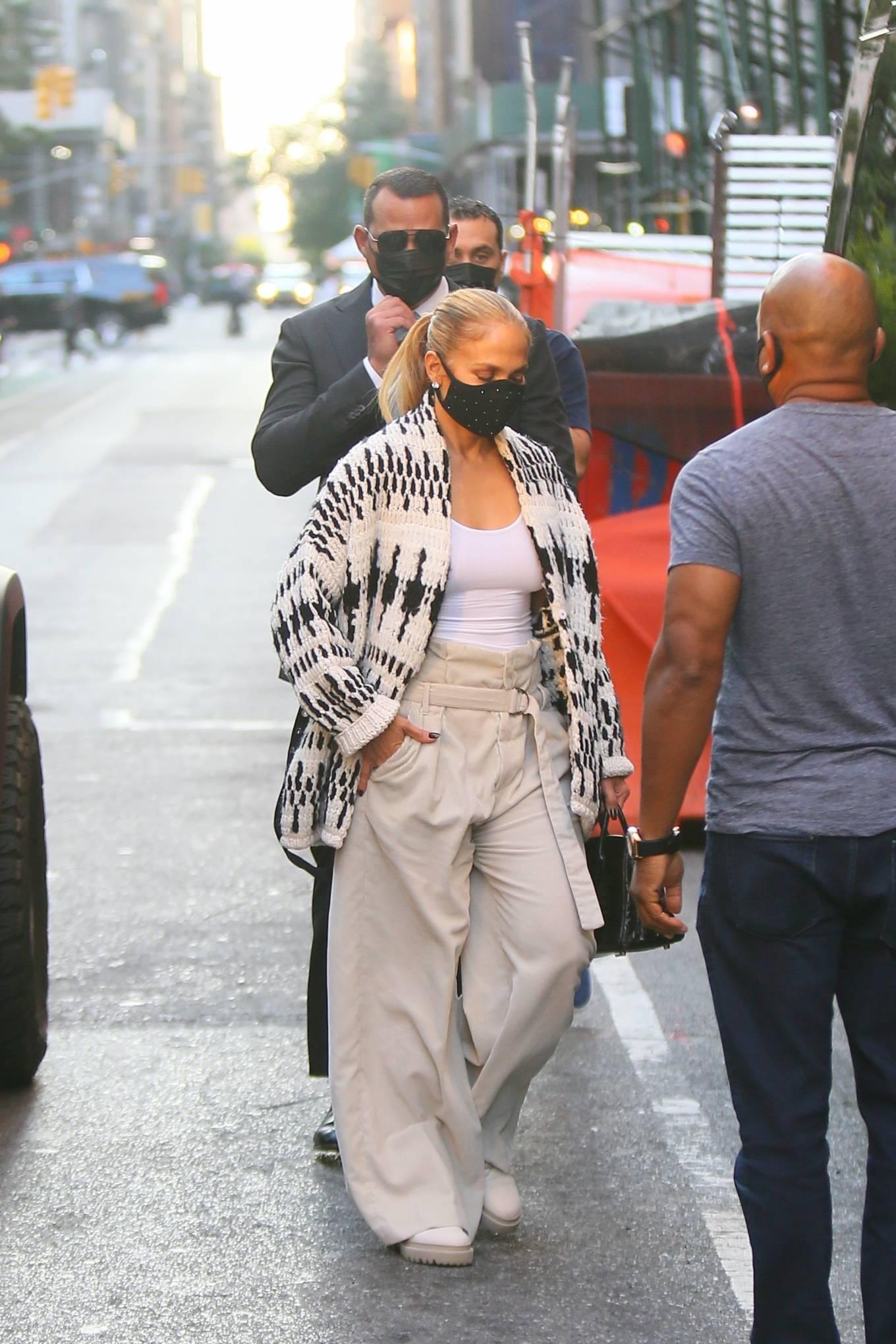 Jennifer Lopez 2020 : Jennifer Lopez – Out in Tribeca-09