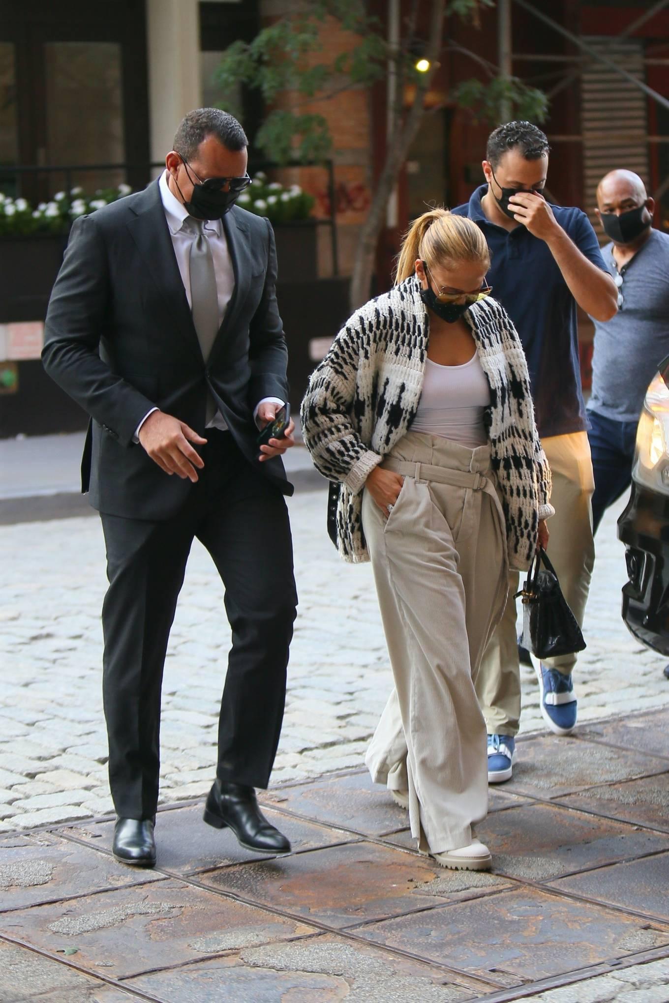 Jennifer Lopez 2020 : Jennifer Lopez – Out in Tribeca-11