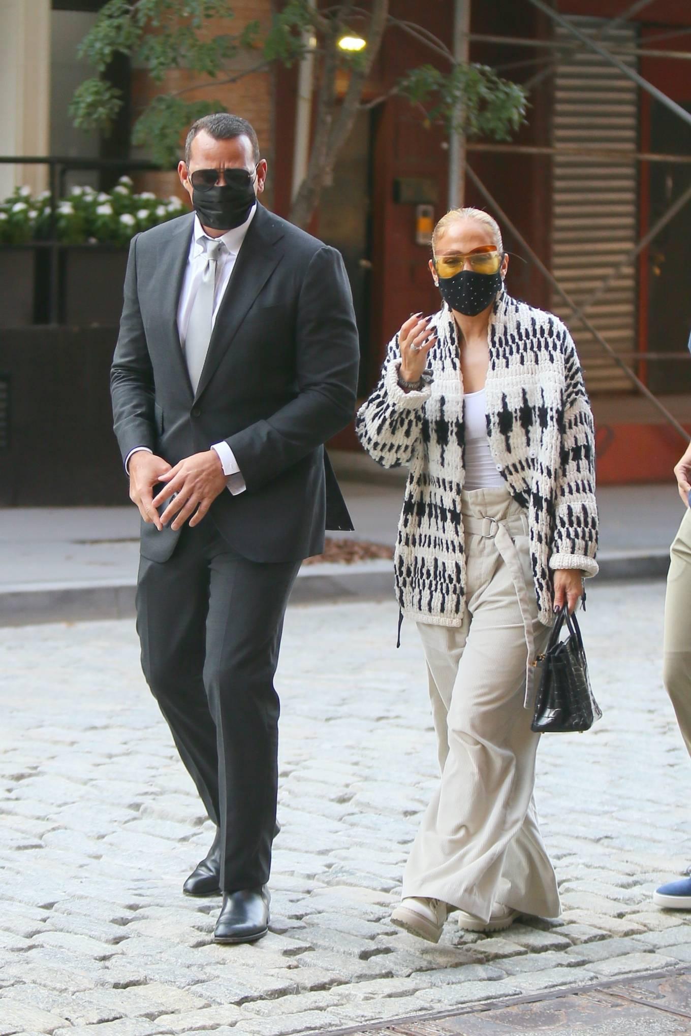 Jennifer Lopez 2020 : Jennifer Lopez – Out in Tribeca-13