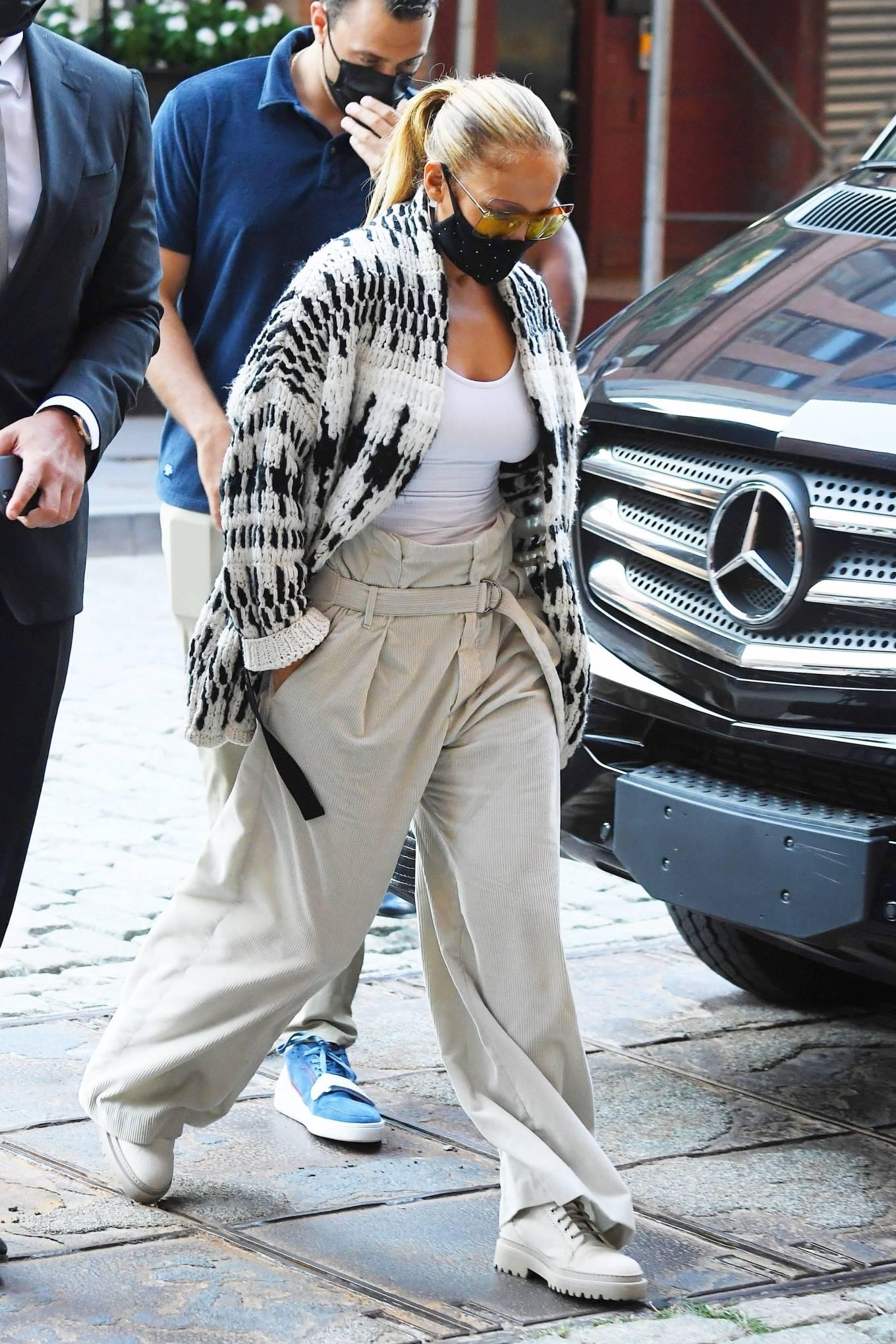 Jennifer Lopez 2020 : Jennifer Lopez – Out in Tribeca-15