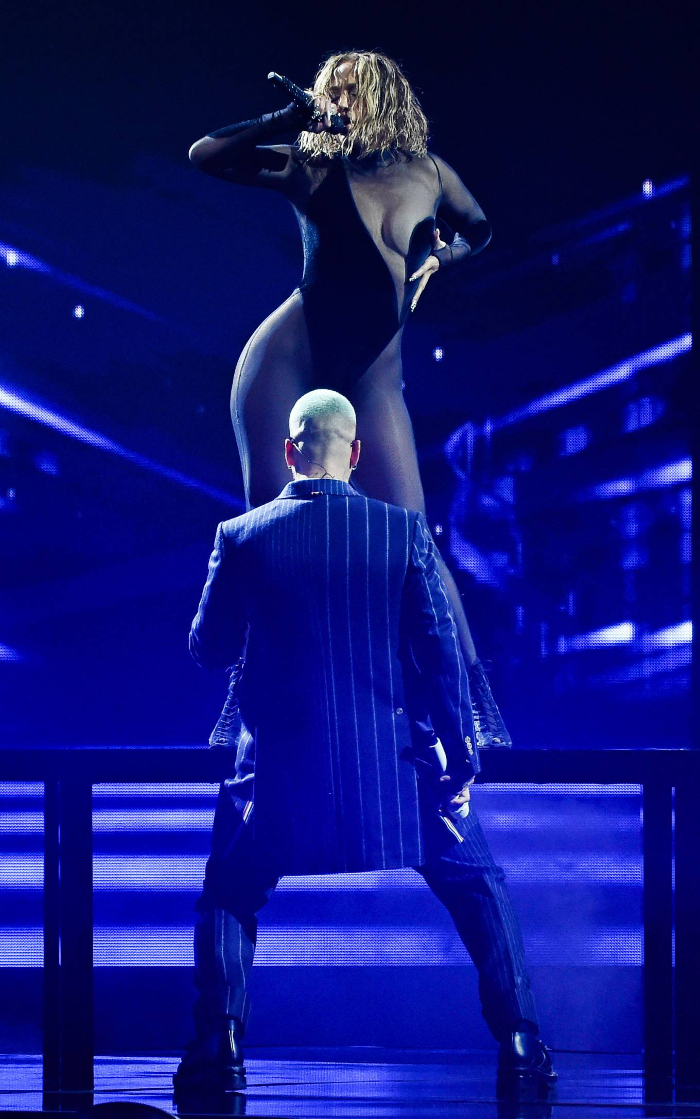 Jennifer Lopez - Perform at 2020 American Music Awards in Los Angeles