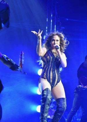 Jennifer Lopez - Performing in Atlanta