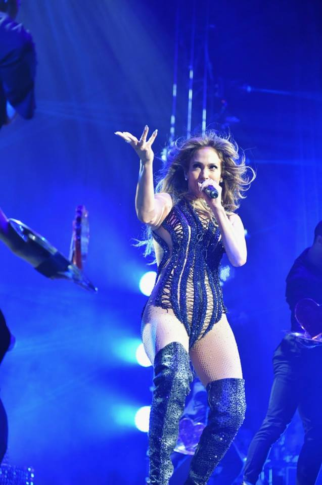 Jennifer Lopez – Performing in Atlanta