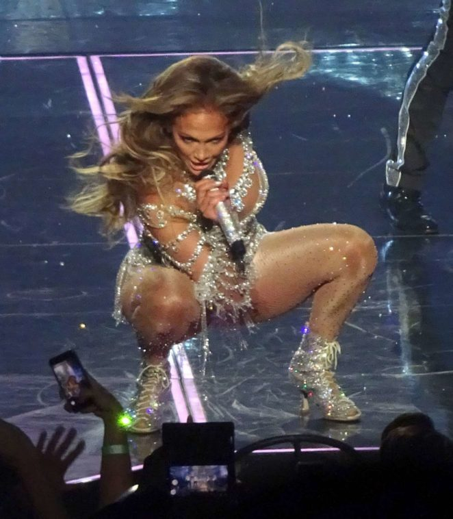 Jennifer Lopez – Performing in Las Vegas