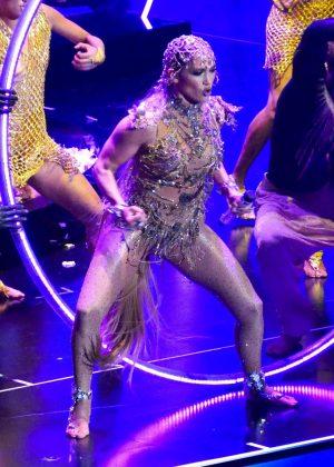 Jennifer Lopez - Performs at Billboard Latin Music Awards in Las Vegas