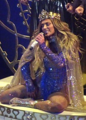 Jennifer Lopez - Performs at her concert in Las Vegas