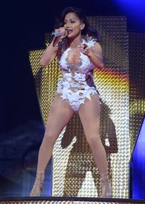 Jennifer Lopez - Performs at iHeartRadio Fiesta Latina in Miami