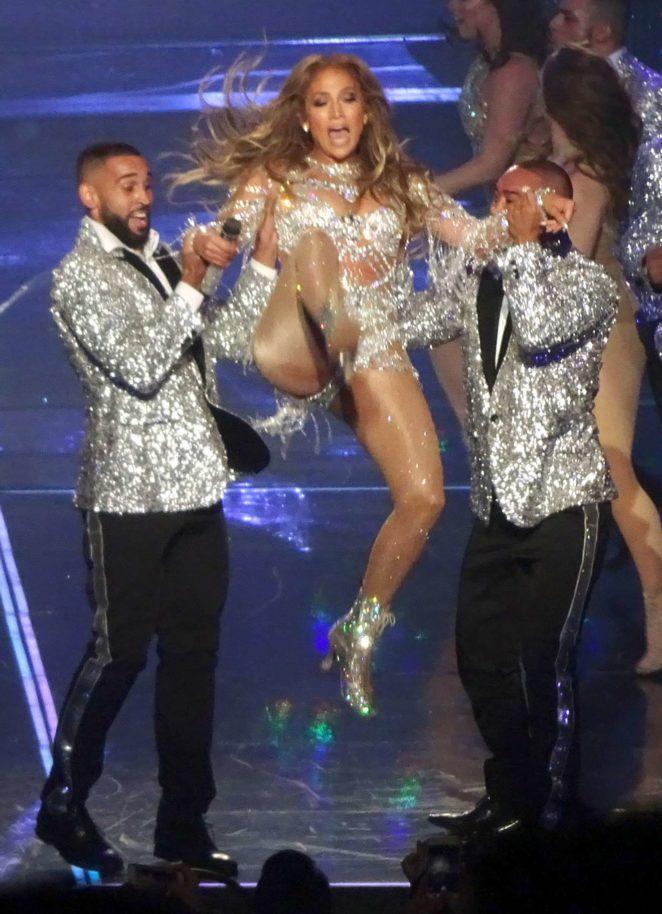 Jennifer Lopez - Performs in Las Vegas - Sept 2017