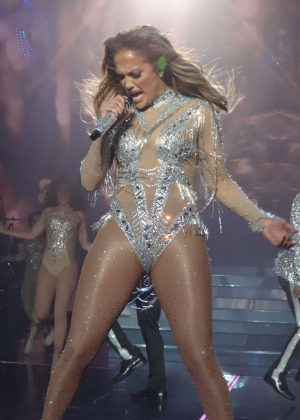 Jennifer Lopez - Performs in Las Vegas