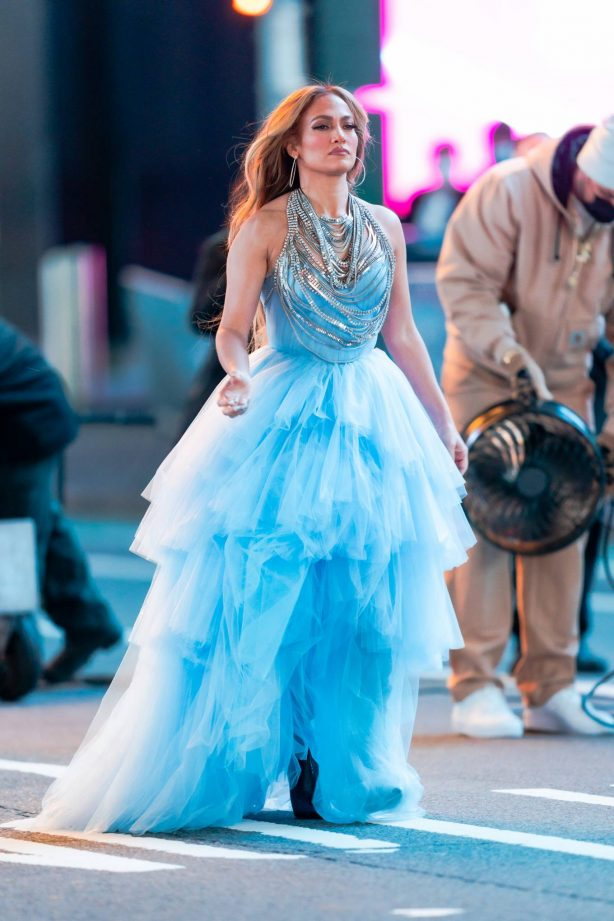 Jennifer Lopez - Pictured before performance in Times Square on New Years Eve in NY