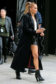 Jennifer Lopez - Pictured on the set of 'Marry Me' in NY