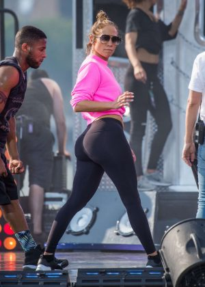 Jennifer Lopez - Rehearsal for Macy's 4th of July celebrations in New York