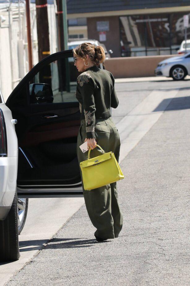 Jennifer Lopez - Runs errands before she heads to a studio in Los Angeles