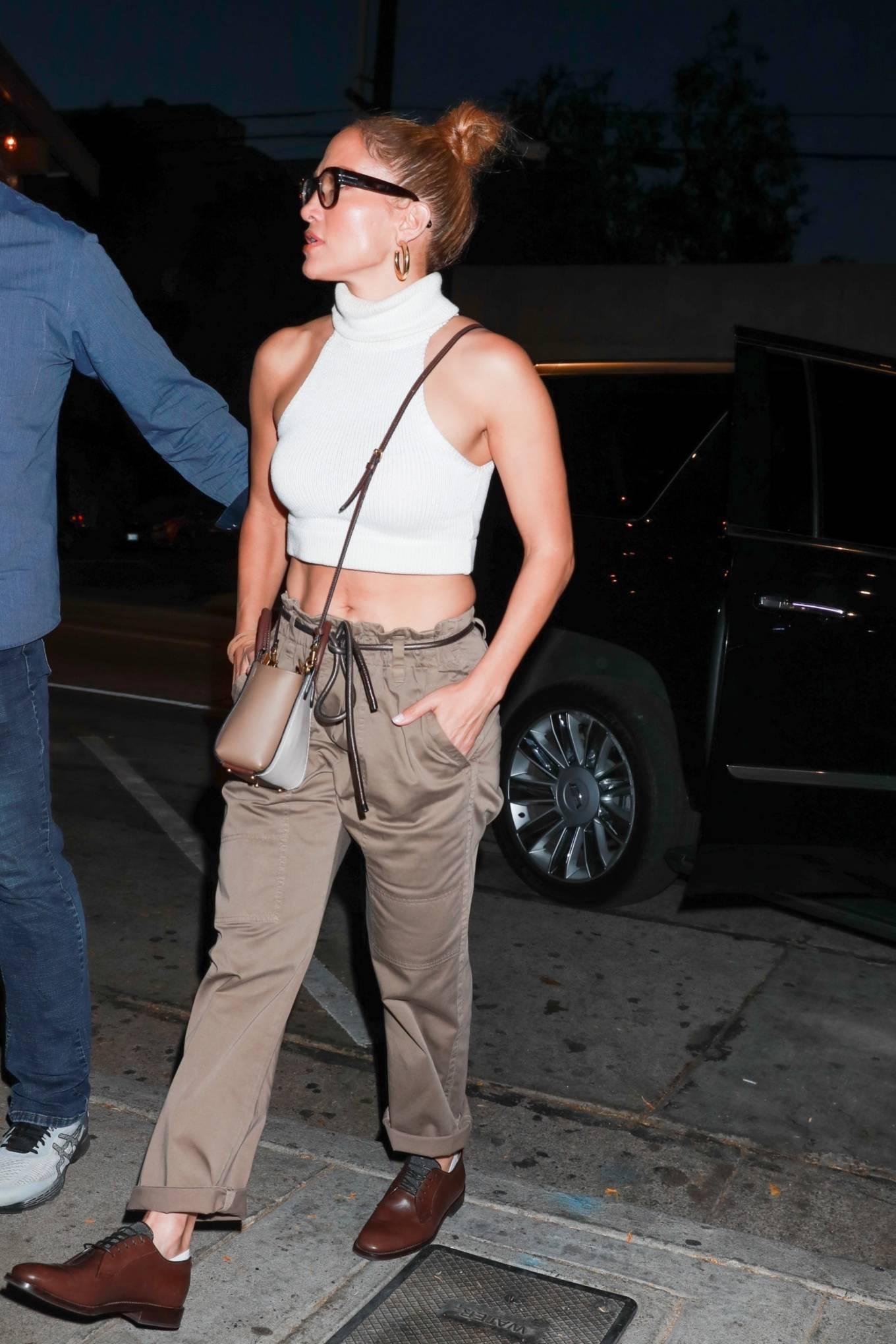 Jennifer Lopez 2021 : Jennifer Lopez – seen arriving at Craigs Restaurant in West Hollywood-11