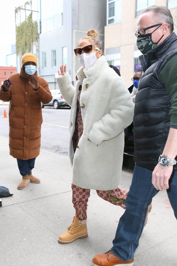 Jennifer Lopez - Seen arriving at the studio in New York