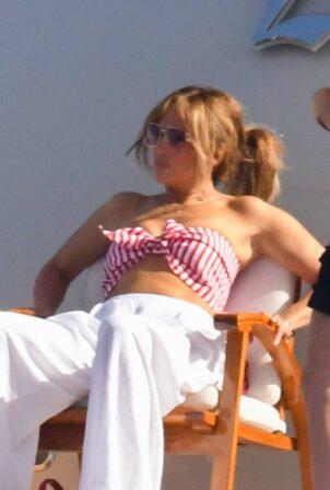 Jennifer Lopez - Seen in Amalfi and Sorrento Coast