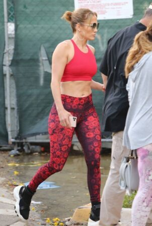 Jennifer Lopez - Seen in red leggings as she heads to the gym in Miami