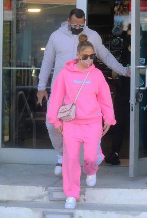 Jennifer Lopez - seen leaving the gym in Miami