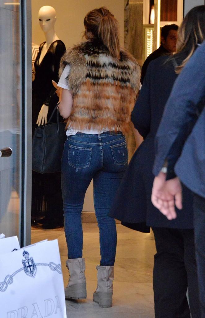 Jennifer Lopez – Seen Shopping At Prada Milano