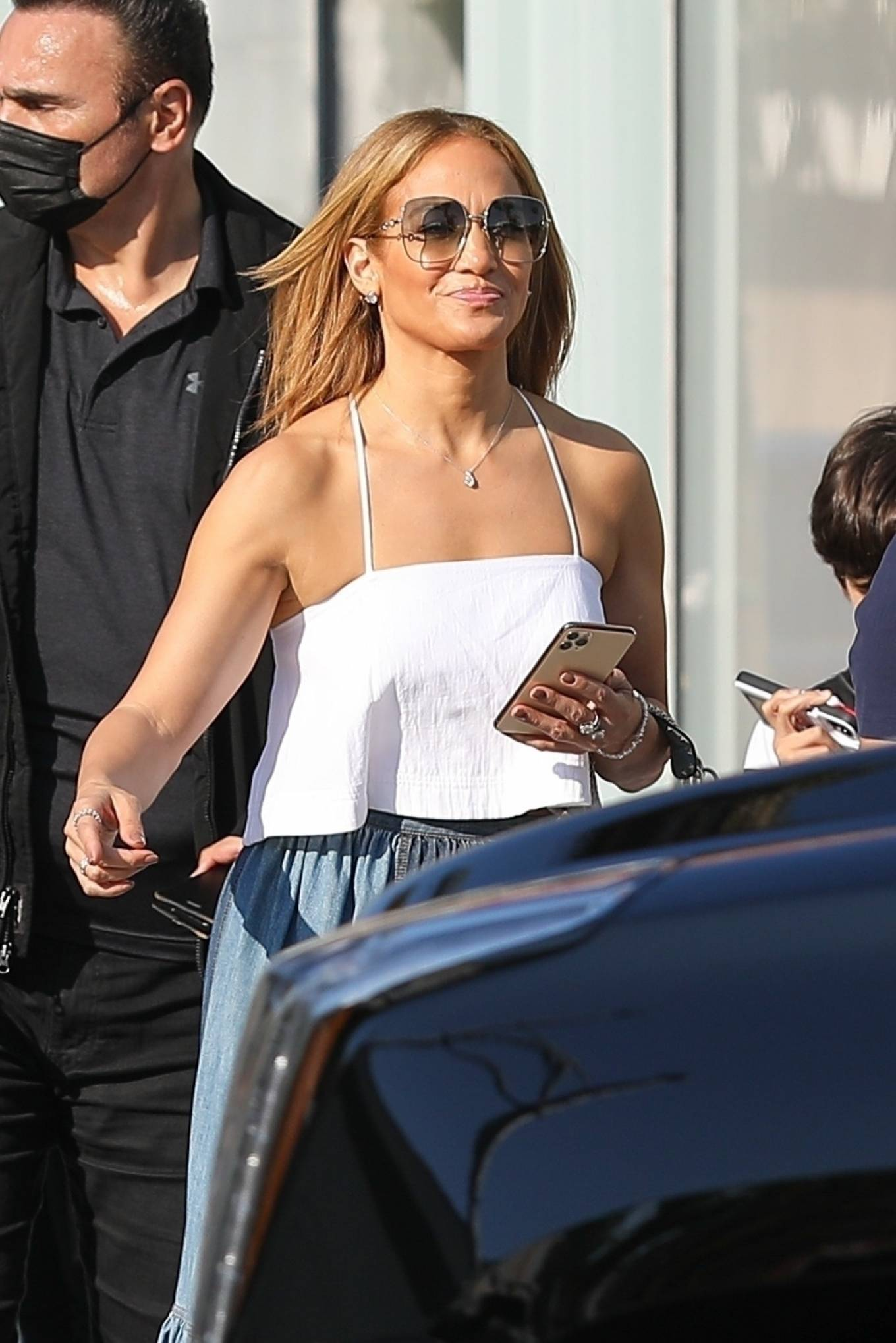 Jennifer Lopez 2021 : Jennifer Lopez – Seen with her son Max and manager Benny Medina in Beverly Hills-02