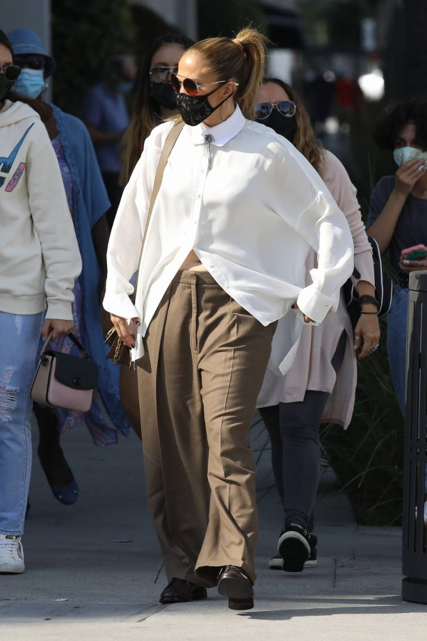 Jennifer Lopez - Shopping candids on Rodeo Drive in Beverly Hills