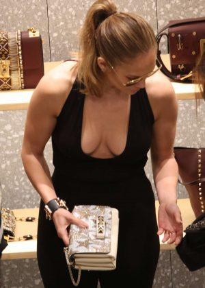 Jennifer Lopez - Shopping in Miami
