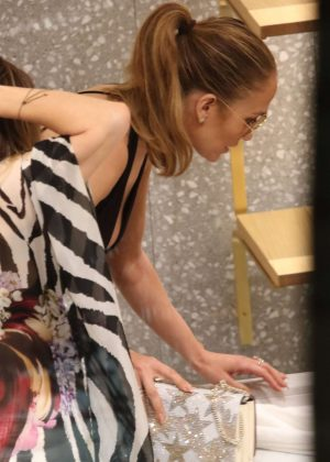 Jennifer Lopez: Shopping in Miami -19