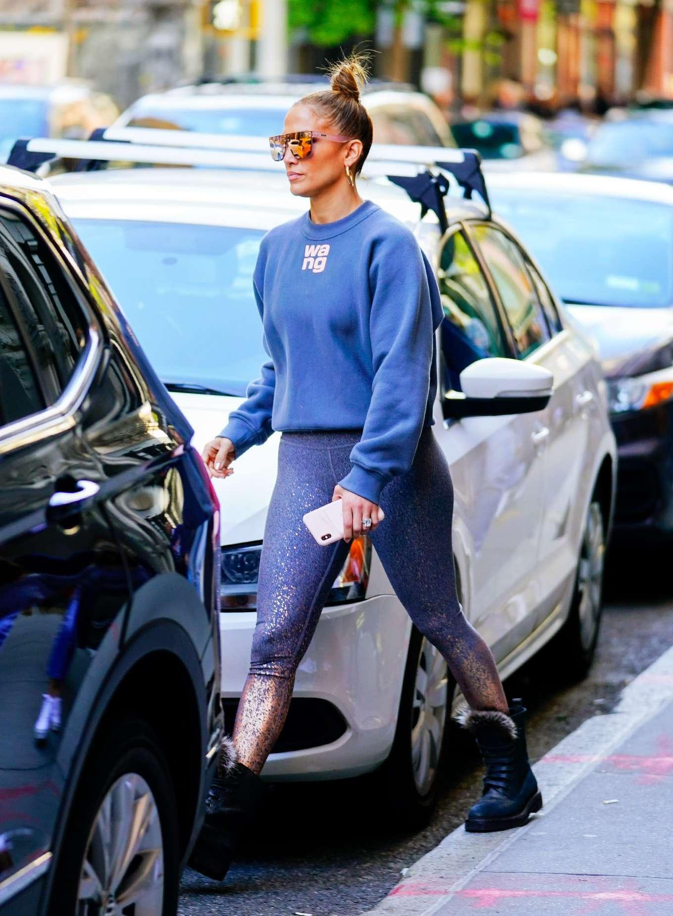 Jennifer Lopez - Shopping in Soho, New York