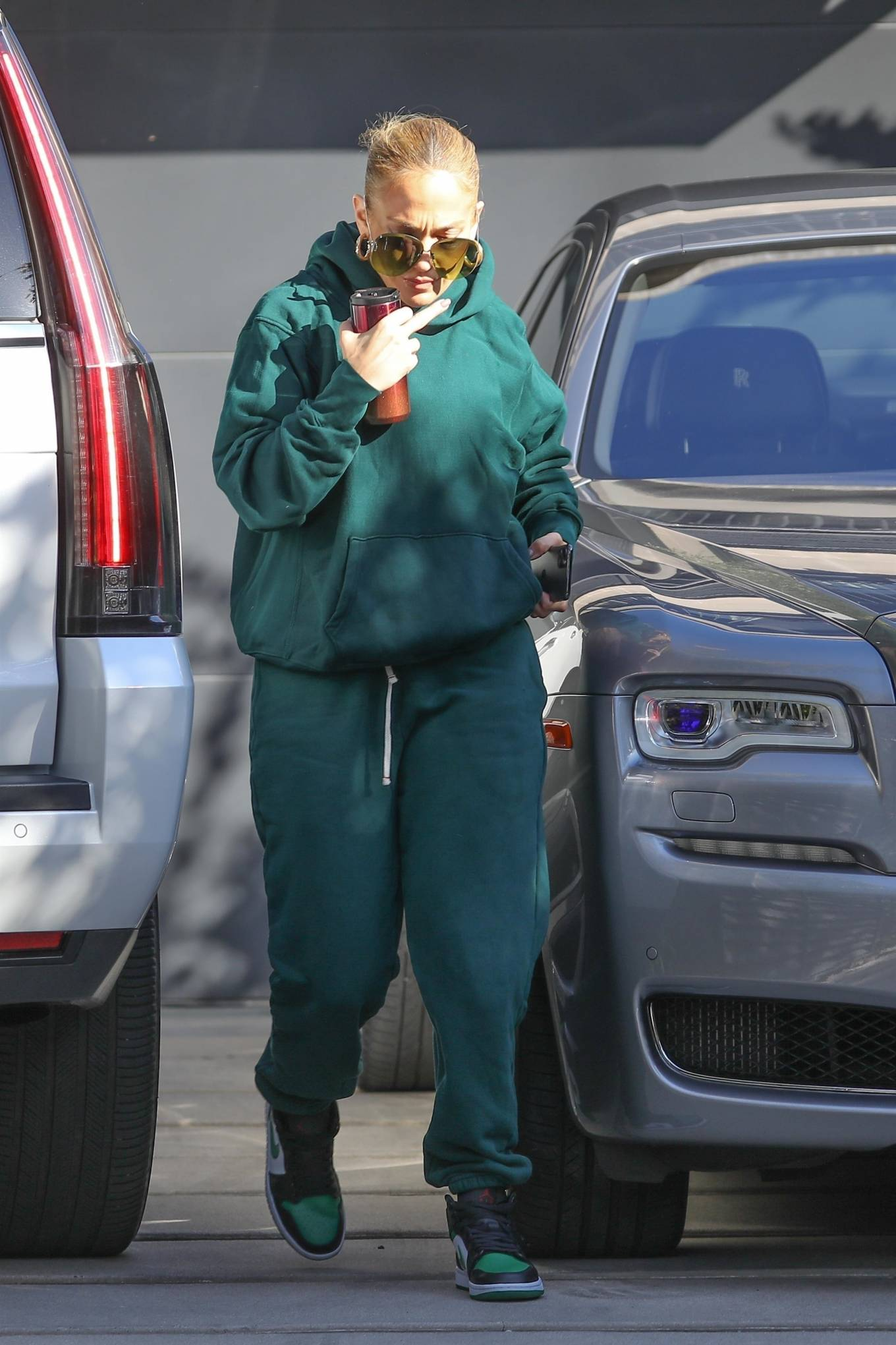 Jennifer Lopez 2020 : Jennifer Lopez – Spotted at the recording studio in Beverly Hills-06