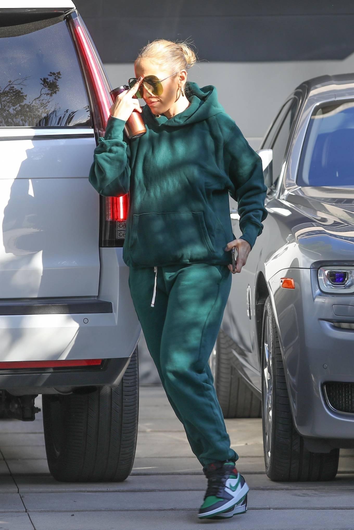 Jennifer Lopez 2020 : Jennifer Lopez – Spotted at the recording studio in Beverly Hills-12