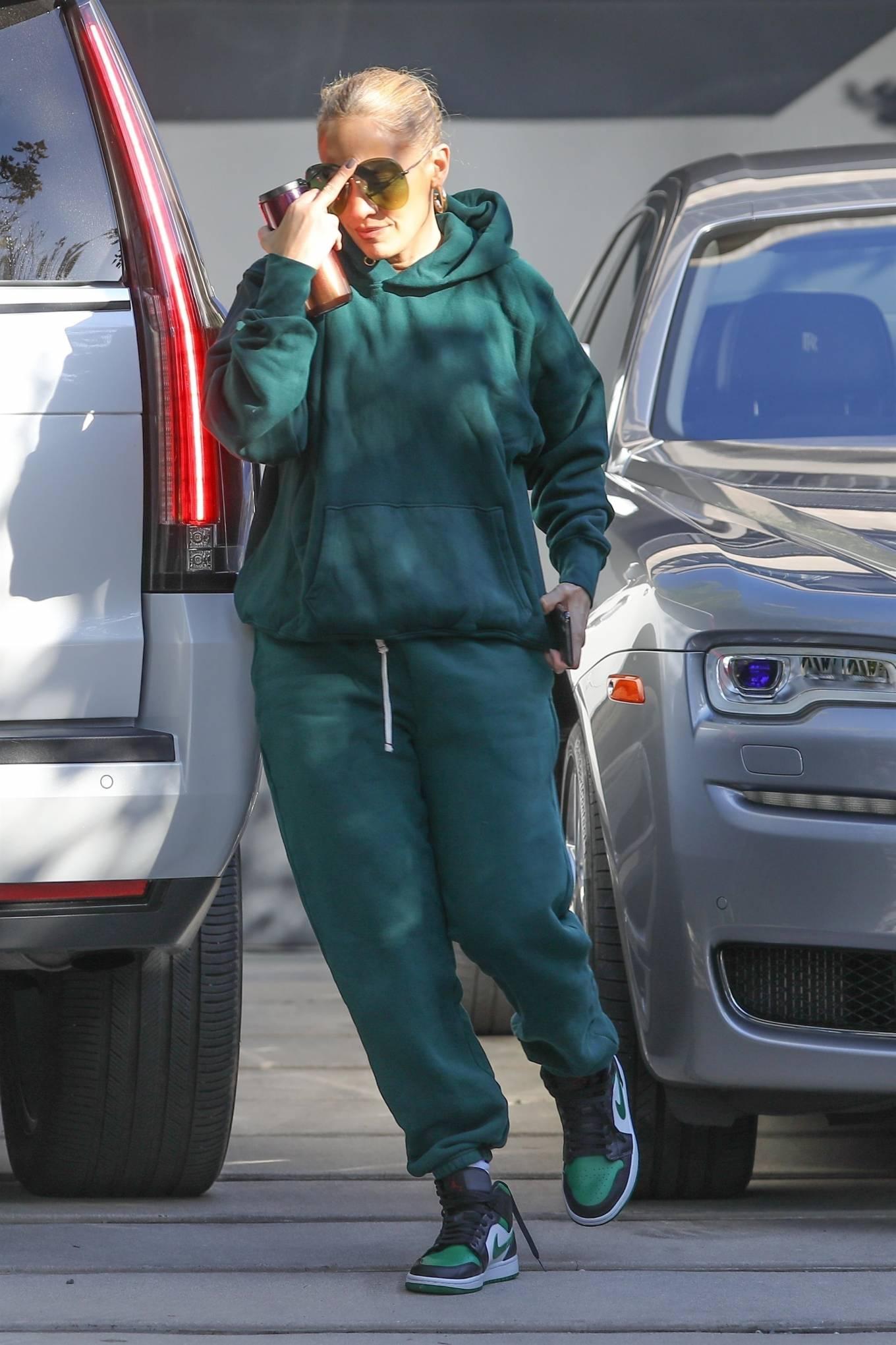 Jennifer Lopez 2020 : Jennifer Lopez – Spotted at the recording studio in Beverly Hills-13