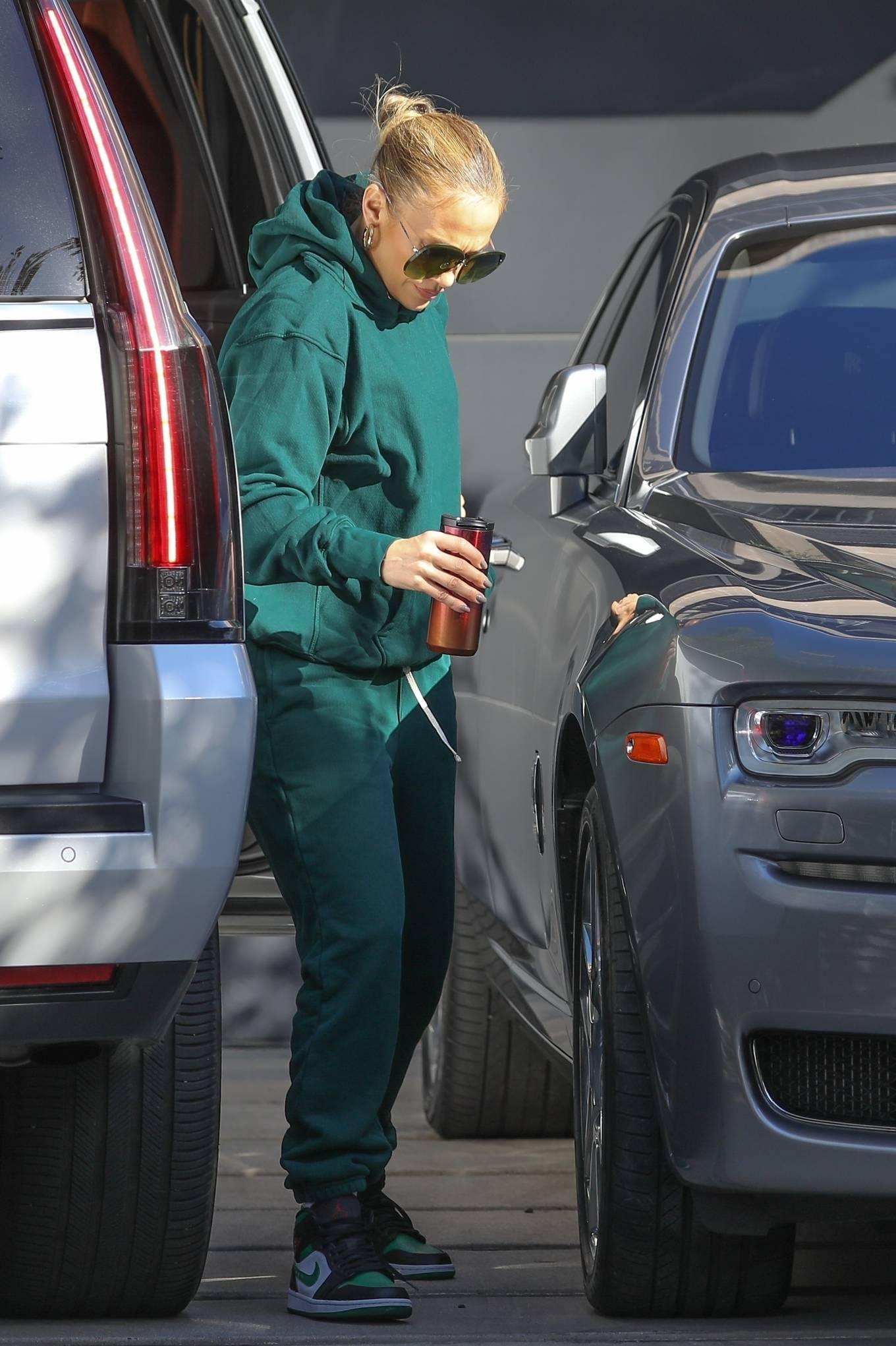 Jennifer Lopez 2020 : Jennifer Lopez – Spotted at the recording studio in Beverly Hills-18