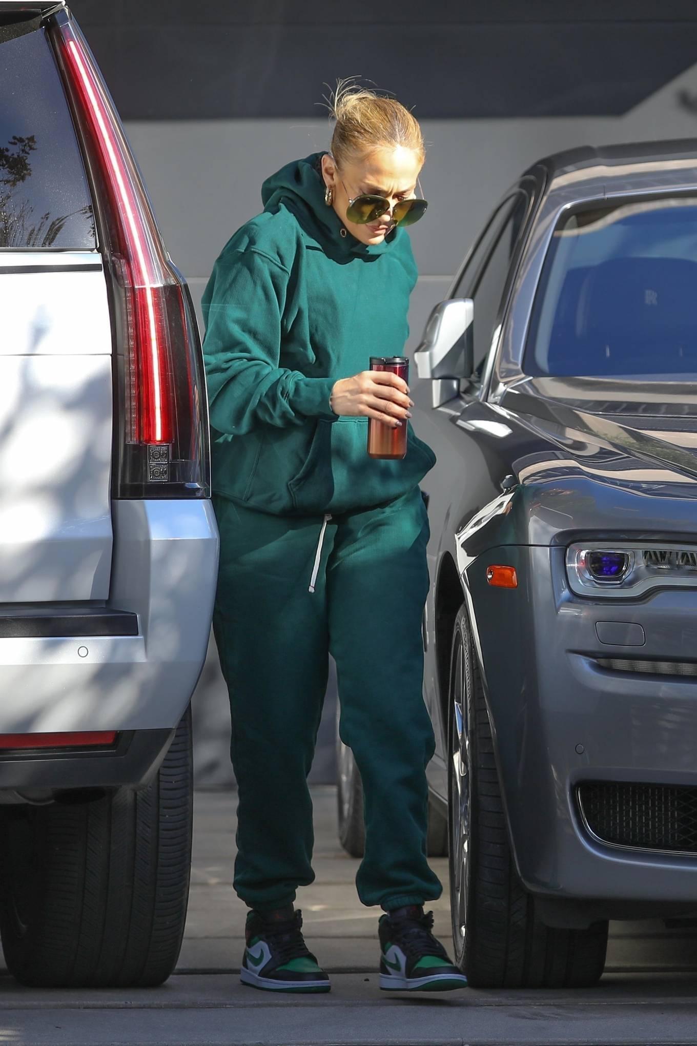 Jennifer Lopez 2020 : Jennifer Lopez – Spotted at the recording studio in Beverly Hills-27