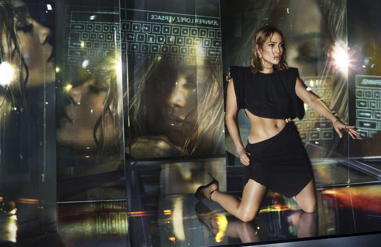 Jennifer Lopez 2020 : Jennifer Lopez – Versace SS Campaign 2020-01