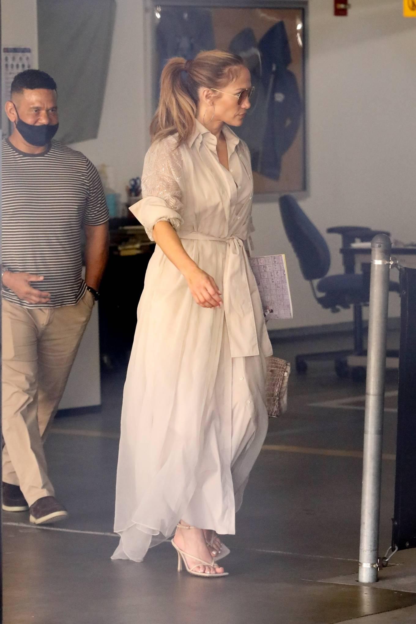 Jennifer Lopez -  visits Wildwood School Independent school in Los Angeles